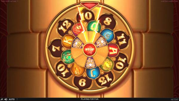 Как играть на деньги в ДжойКазино?